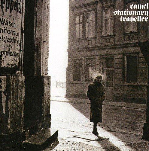 PATRZĄC NA BERLIN ZACHODNI -CAMEL, STATIONARY TRAVELER (1984)